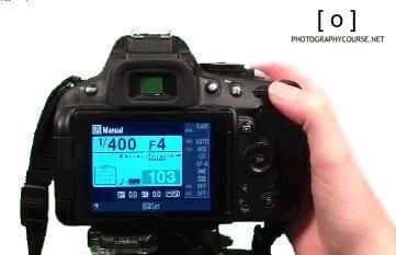 rear display of dslr camera - exposure control