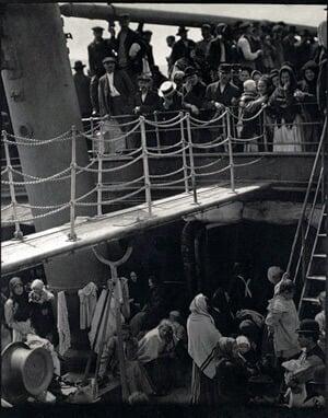 Alfred Stieglitz - Modern Art Photographer