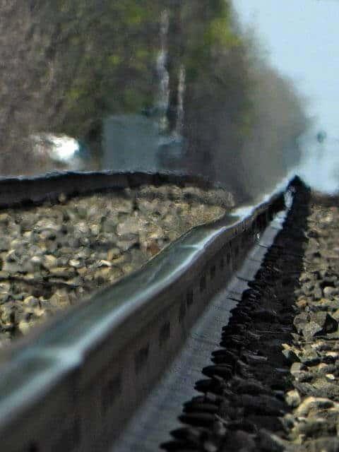 Bendy Rails by Tristan Honscheid
