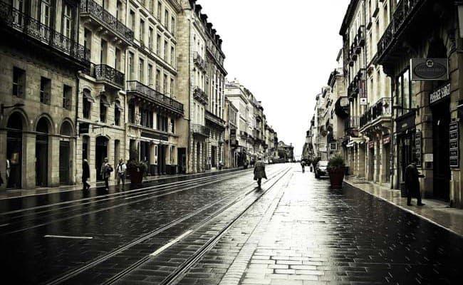 Streets of Bordeaux by Erik Söderström