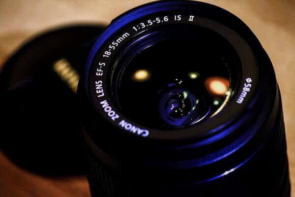 Top Lenses for New Photographers - Kit Lens