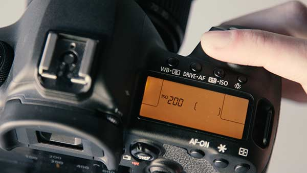 10 Beginner Photographer Mistakes Not Changing Camera Settings